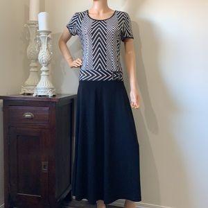 Joseph Ribkoff stunning long dress beautiful condition
